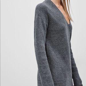 Aritzia Sweaters - ARITZIA Wilfred 'Hénon' Grey Ribbed VNeck Sweater